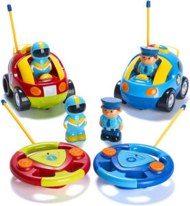 2 control cars with 2 figures