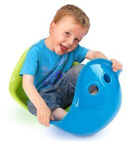 A boy playing moluk bilibo